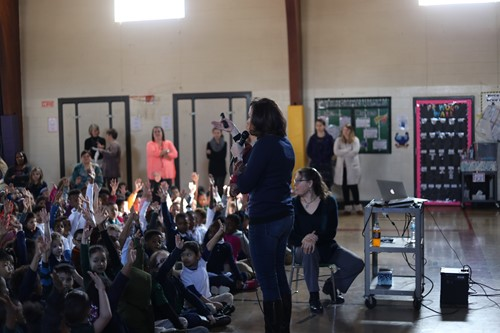 New York Times best-selling author Sherri Duskey Rinker and Winton Woods Primary South students