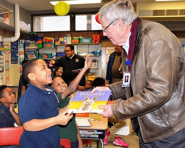 Kiwanis Book Giveaway Delights Third Graders