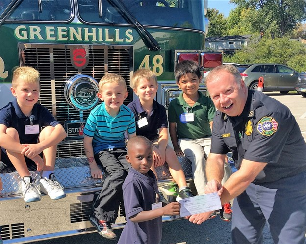 Winton Woods students visiting Greenhills Fire Department