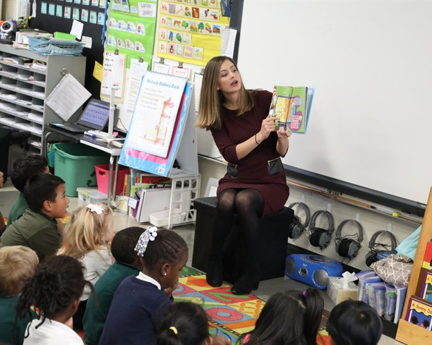 WLWT-5 Meteorologist and Reporter Allison Rogers reads to and teaches our Wee Warriors at Primary North about the weather. #TeachingThatEngages #GoWarriors