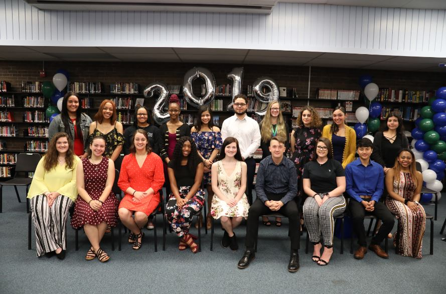 Winton Woods City Schools' 2018 Honor Diploma Scholars. Not shown: Hai Nguyen. Photo by Drew Jackson.
