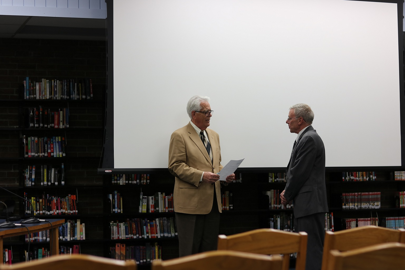(l-r) Winton Woods City Schools Treasurer Randy Seymour and Dr. John Cuppoletti at January organizational meeting. Photo by Drew Jackson.